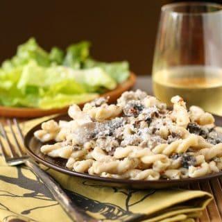 Pasta with Sausage, Mushrooms and White Wine Cream Sauce
