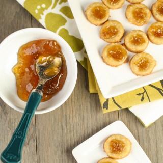 Cheesy Fig Shortbread Crackers