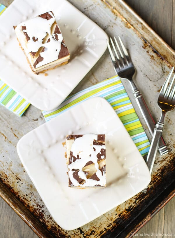 No need for a fire with this S'mores Ice Cream Cake. Summer at its best!