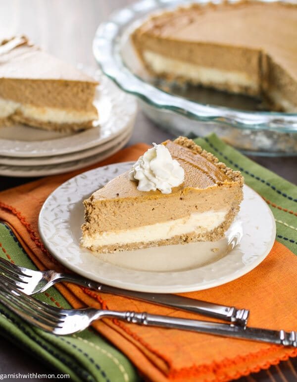 It's the best of both worlds with this Layered Pumpkin Cheesecake Pie!