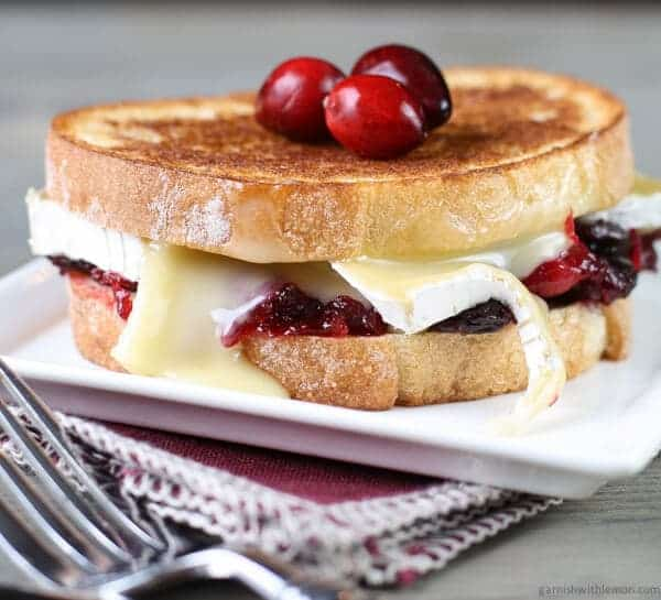 ... look mighty tasty in this Cranberry Brie Grilled Cheese Sandwich