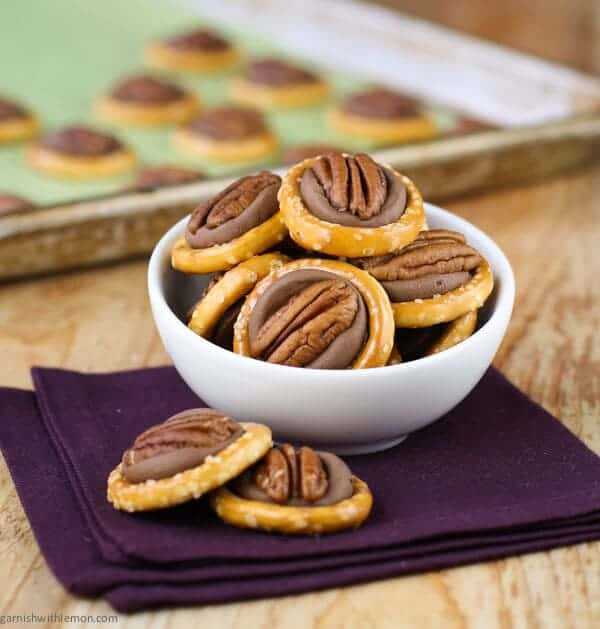 ... recipe for Easy Rolo Pretzel Turtles is always a hit at the holidays
