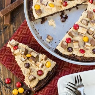 Candy Bar Brownie Pizza (1 of 3)