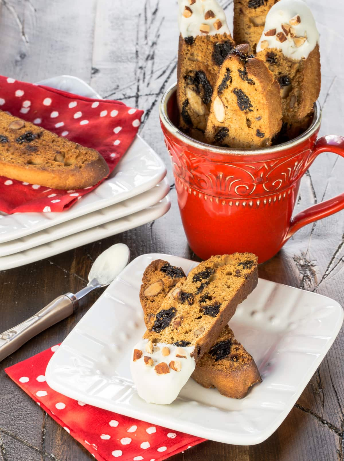 These simple White Chocolate, Cherry and Almond Biscotti make ...