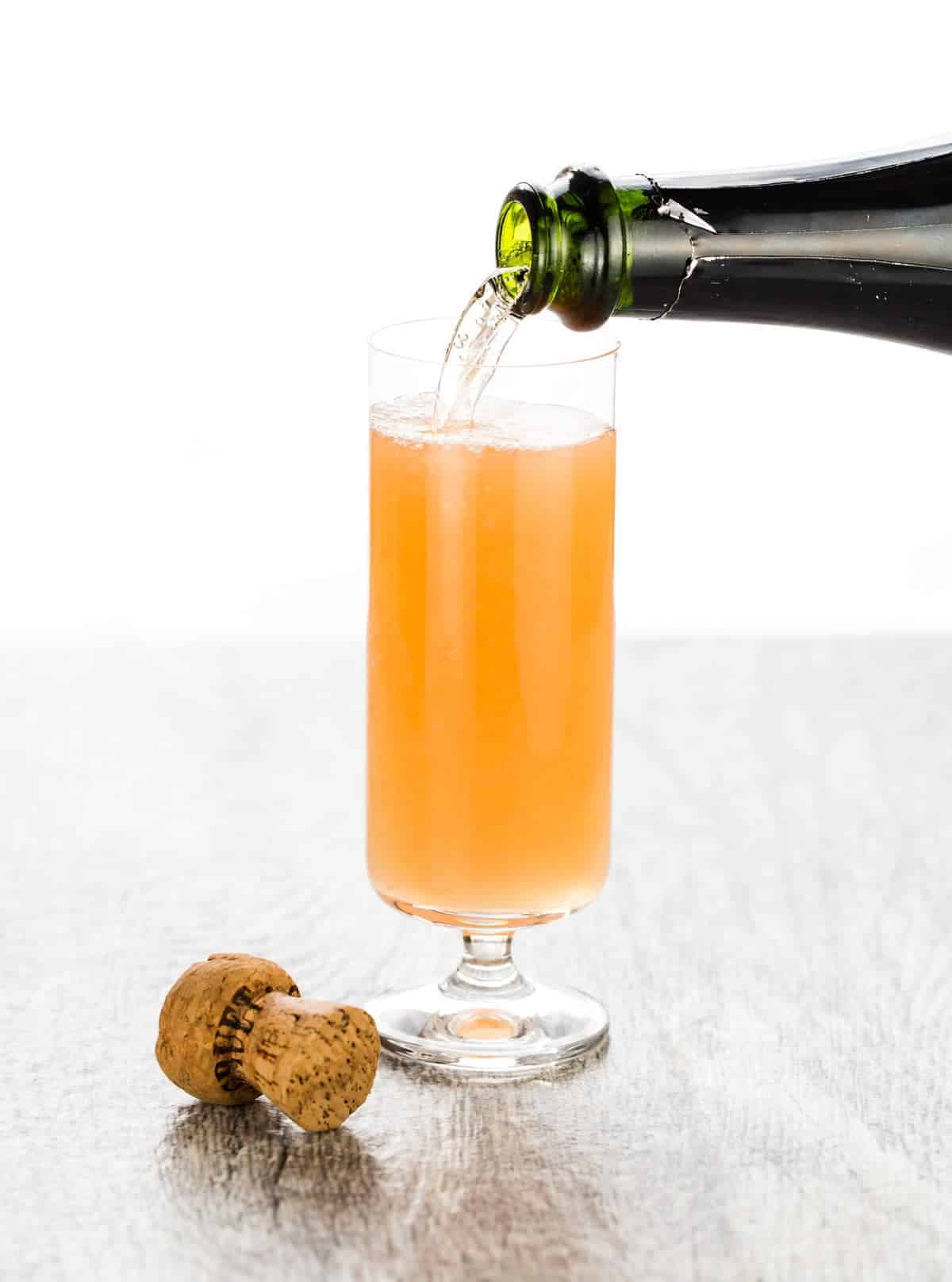 Hosting Sunday brunch soon? This Mexican Mimosa is my new go to brunch cocktail. Tequila is the secret ingredient that sets this mimosa apart from the rest.