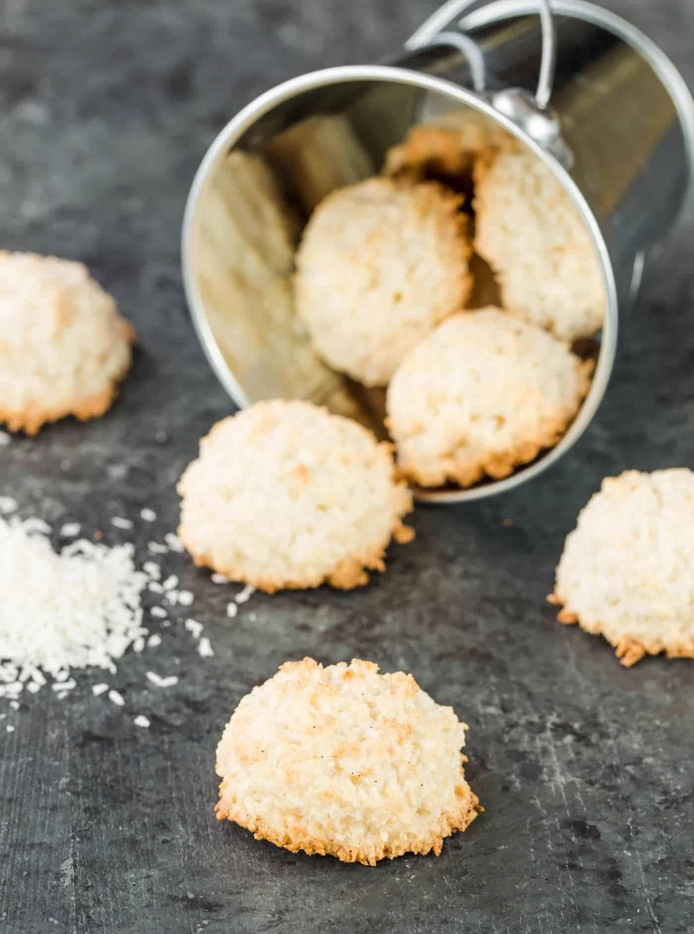 Coconut Macaroons - Garnish with Lemon