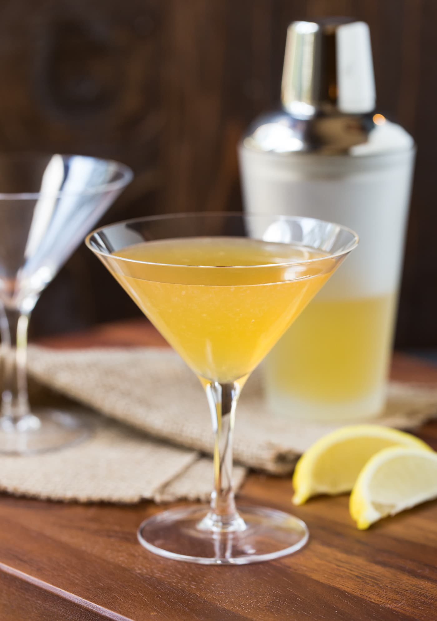 Craving a new fall cocktail? This Gold Rush Cocktail is a tasty mix of bourbon, ginger liqueur and lemon juice that is guaranteed to keep you toasty warm on cool fall evenings.