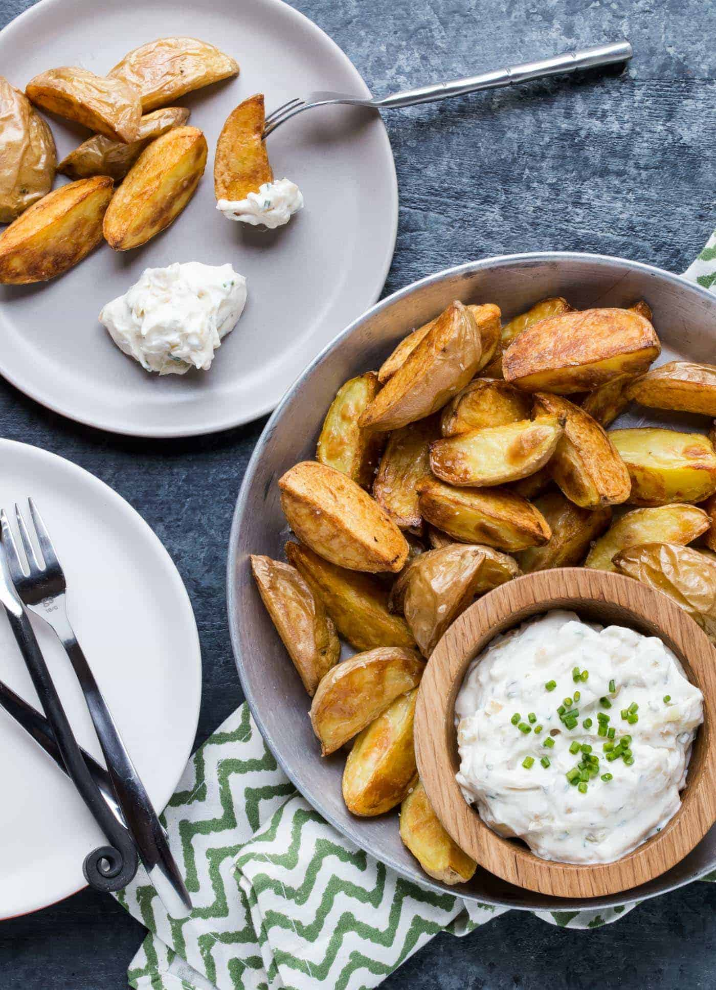 Add something new to your appetizer spread with this easy recipe for Roasted Potatoes with Sour Cream and Onion Dip.