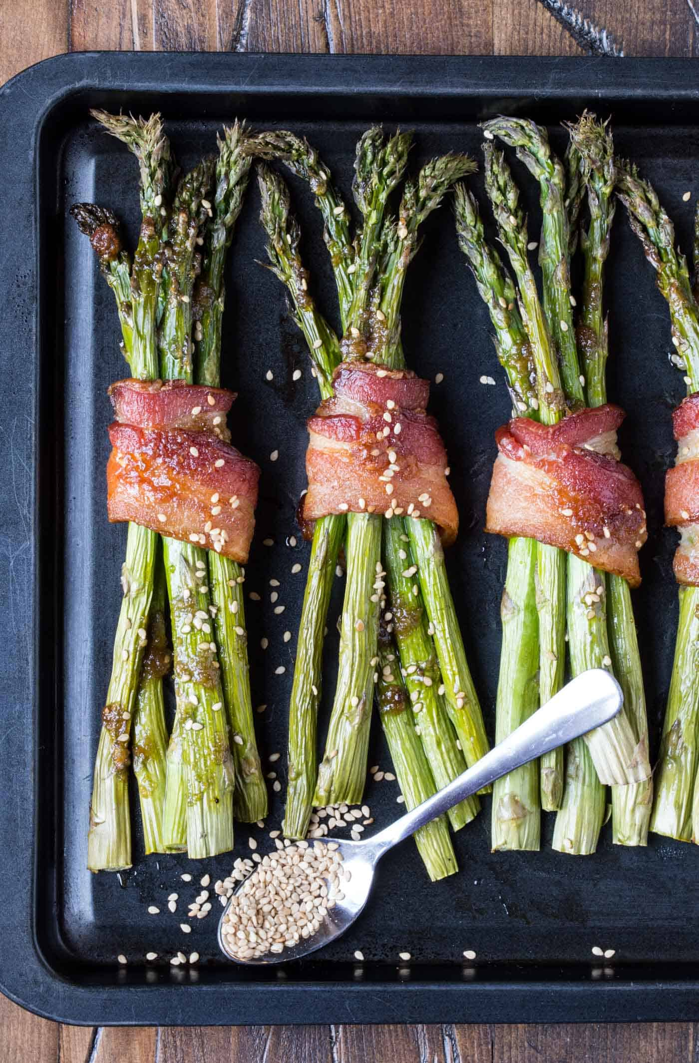 Spring side dishes don't get much easier than these tasty Bacon Asparagus Bundles!