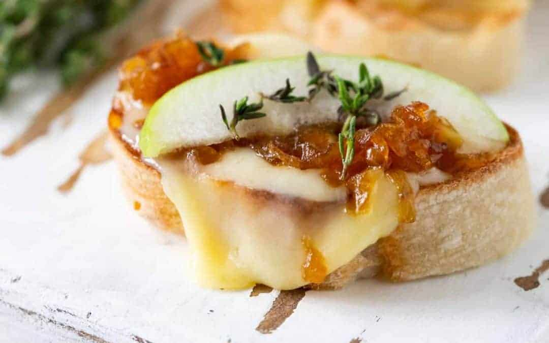 Cheese Crostini with Caramelized Onions, Apples and Thyme