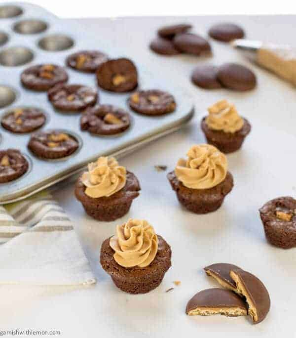 how to make peanut butter frosting with vanilla frosting
